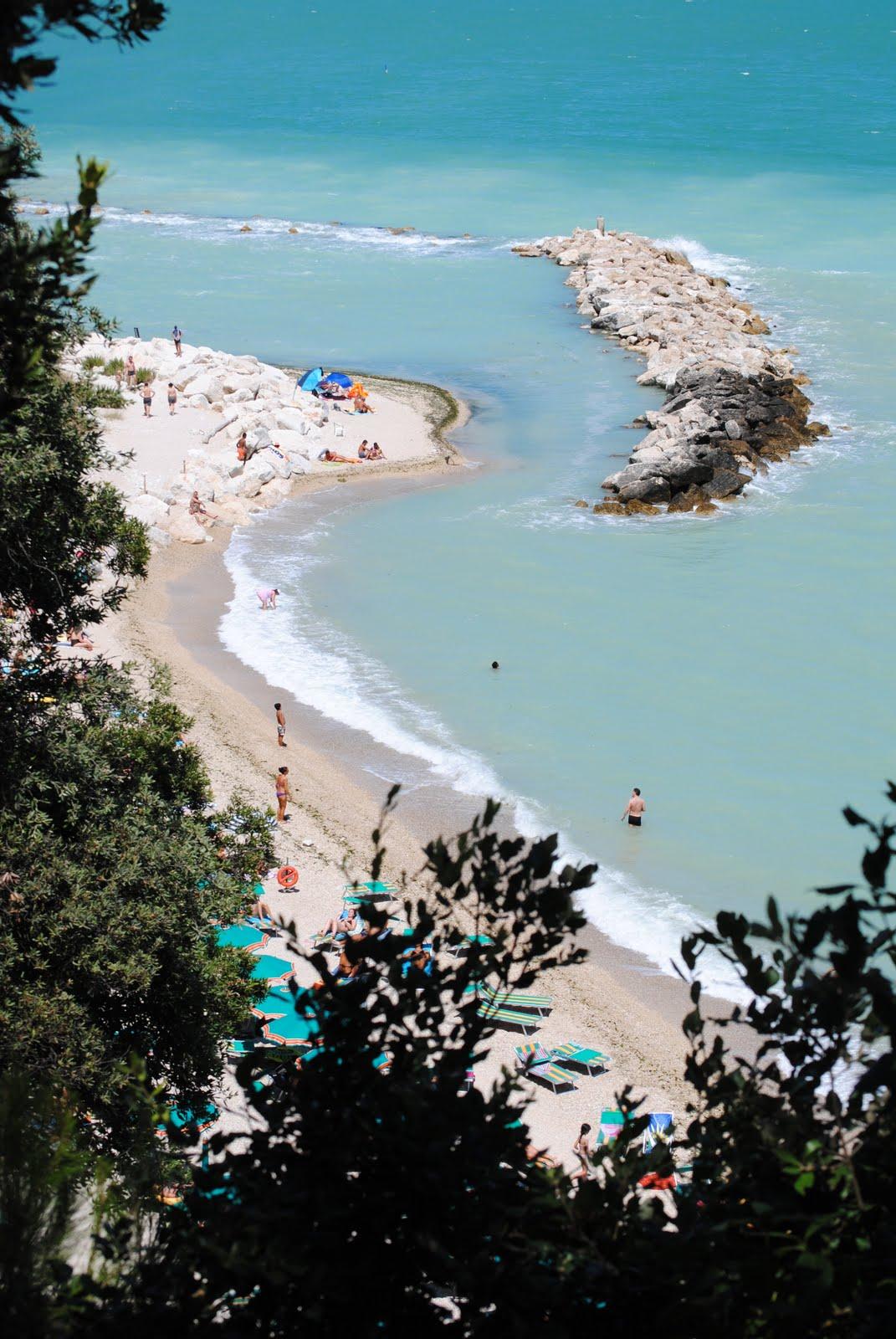 Strand bij Sirolo 1.JPG